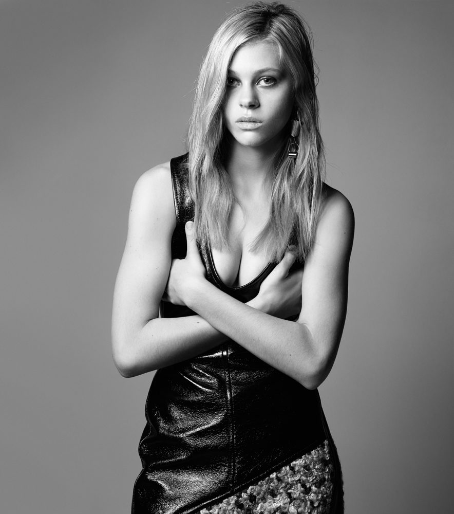 Sideboobs Pictures Nicola Peltz naked photo 2017